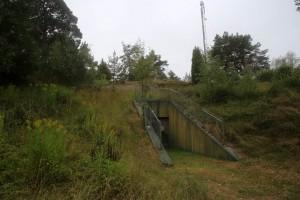 Huvudingången från 1987 fotad 2014.