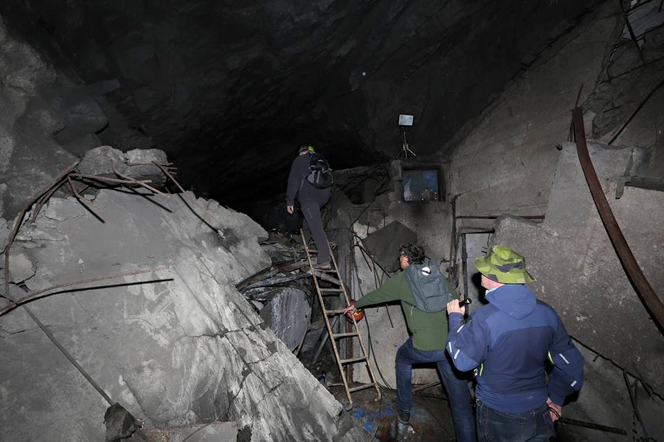 Blast tests in the middle of the tunnel-system. Beyond that point was thrilling!