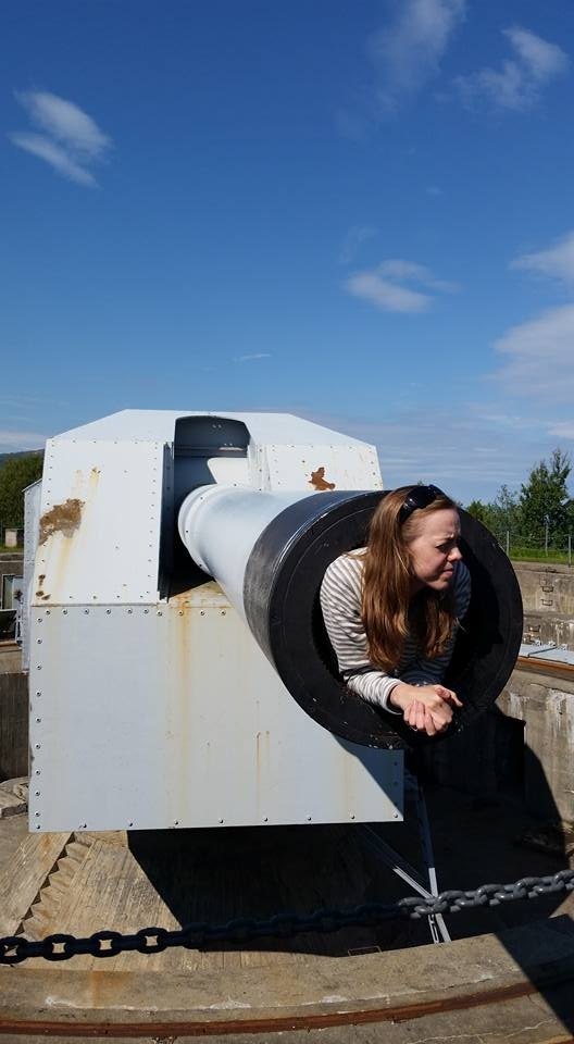 Inside a 406 mm barrel. Claire got the extra treat.